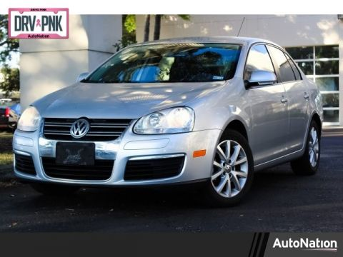 Pre-Owned 2010 Volkswagen Jetta Sedan Limited Front Wheel Drive 4-door Compact Passenger Car